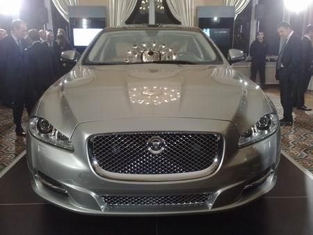 La nuova Jaguar XJ presentata nella residenza dell'ambasciatore
