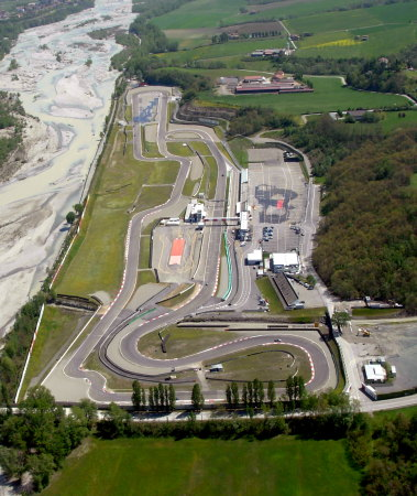 Circuito Varano De Melegari : Open pit lane a varano elaborare