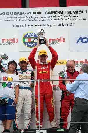 Massimo Arduini vittorio sul podio del Mugello - Foto Claudio Signori
