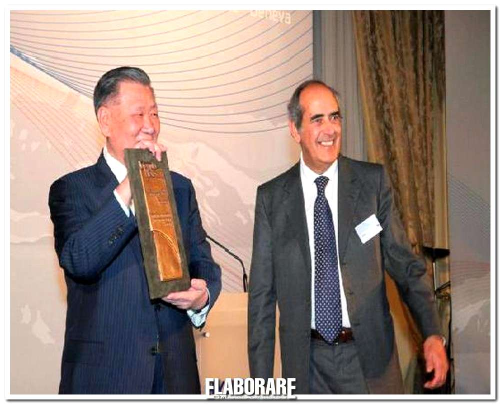 """Photo of Il Chairman e CEO di Hyundai è il """"World Top Manager 2011"""""""