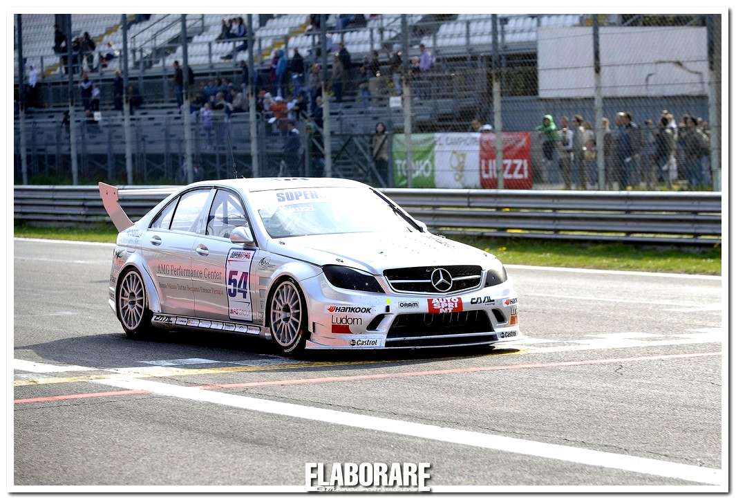 Photo of Liuzzi e la Mercedes C 63 AMG protagonisti a Monza