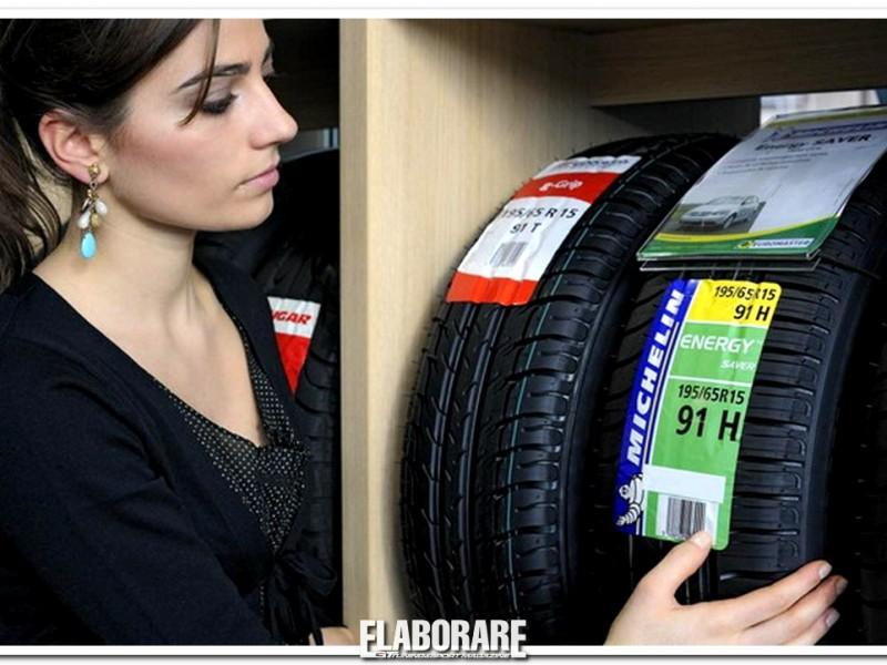 Etichettatura pneumatici