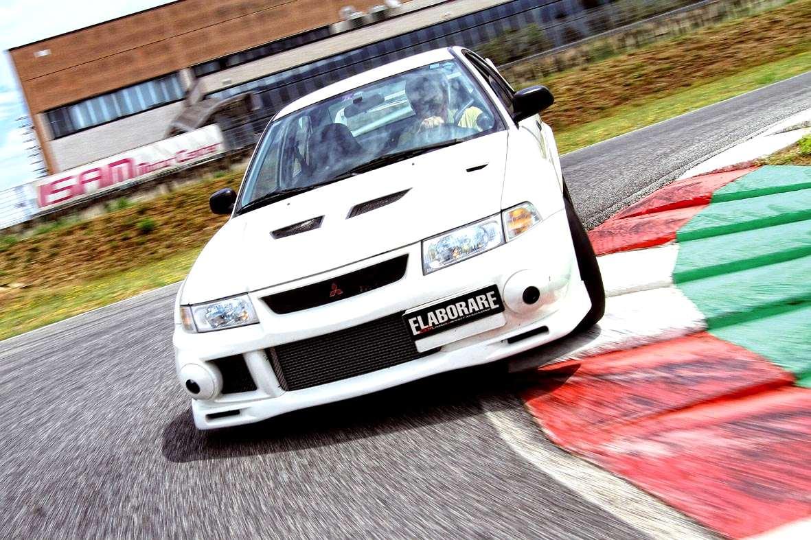 Photo of Mitusbishi Lancer sfida Subaru drifting show
