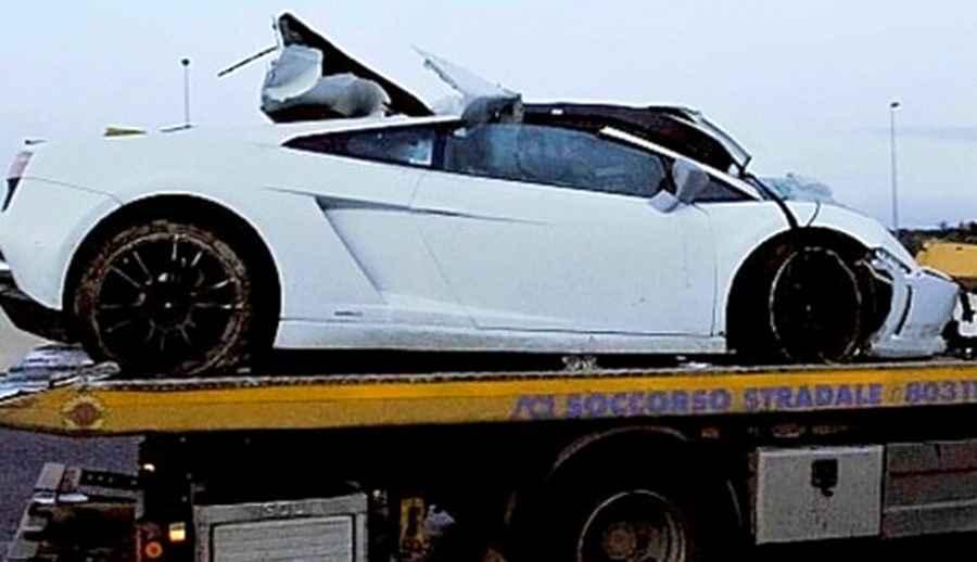 Photo of Scontro mortale Lamborghini contro camion