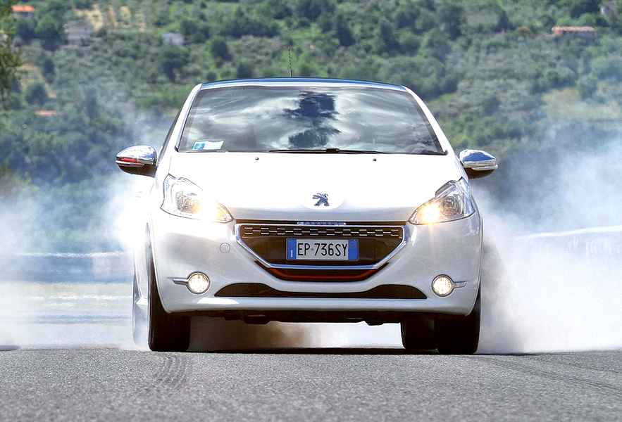 Photo of UNA PROVA SPECIALE della Peugeot 208 Gti