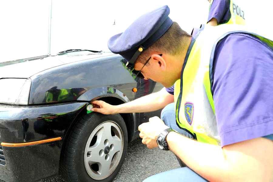 Photo of Con la crisi auto più vecchie e gomme più trascurate