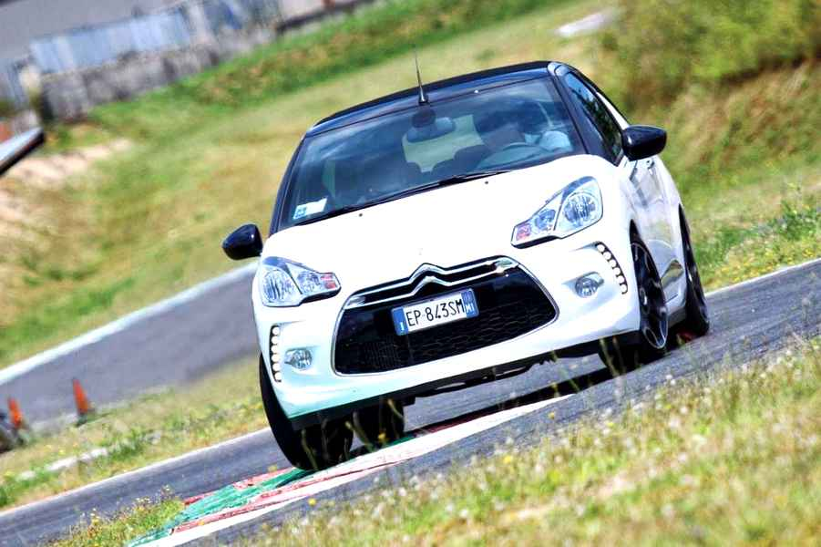 Photo of Vuoi provare la Citroen DS3 con Elaborare?