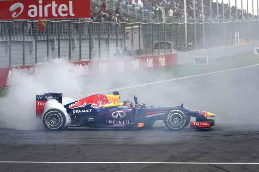 Photo of L'India sancisce il poker iridato per Vettel e la sua Red Bull