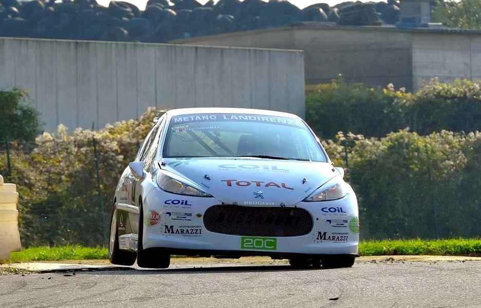 Photo of Peugeot 207 2.0 a gas metano conquista il titolo italiano del 5° FORMULA CHALLENGE