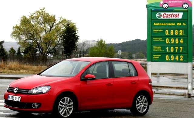 prezzo-basso-benzina-pompa-distributore