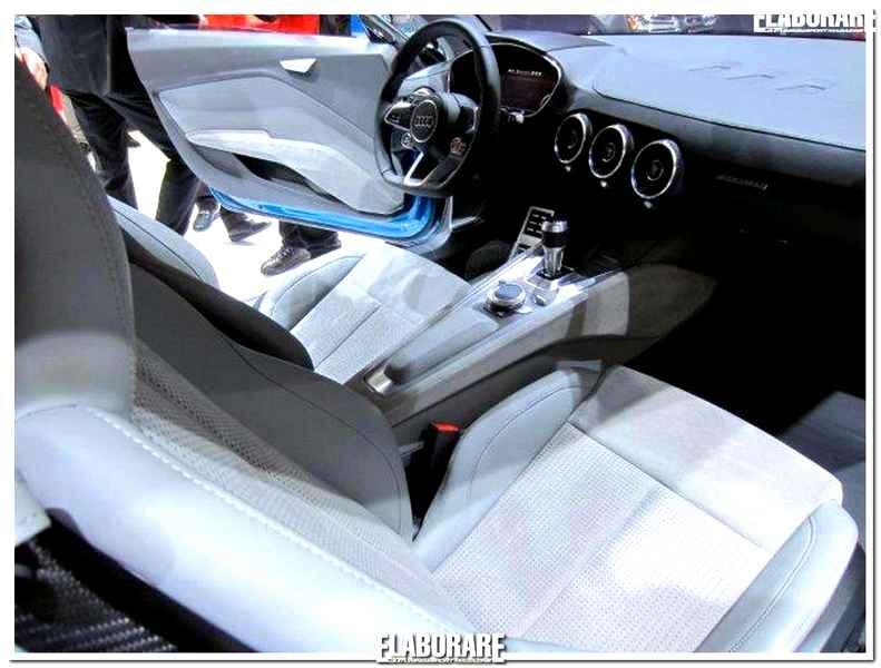 Photo of Alcantara interni auto Salone Detroit