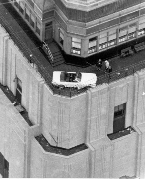 Photo of 50 anni fa Ford Mustang sull'Empire State Building