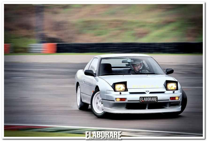 Photo of Nissan Silvia 200 SX elaborata drifting Japan Style!