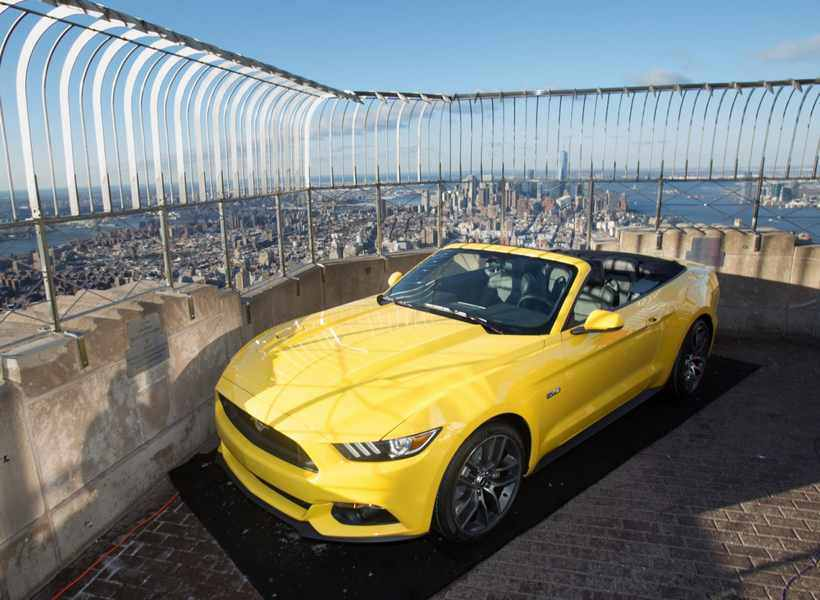 Photo of Ford Mustang 2015 50 Year Edition