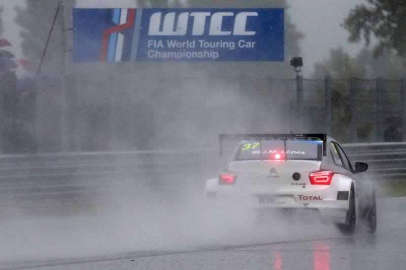 Photo of WTCC 2014 in Slovacchia solo la pioggia