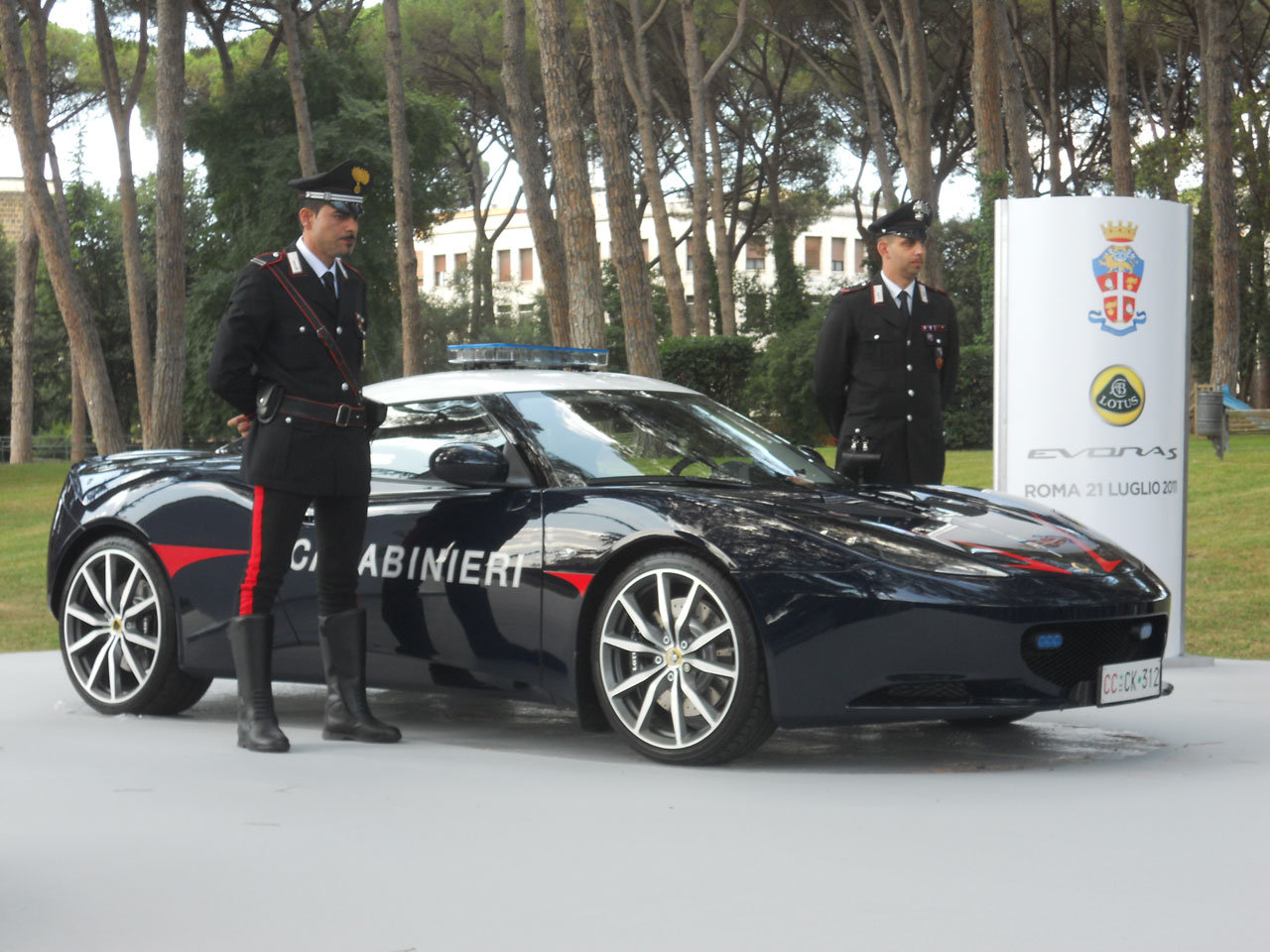 Photo of Lotus Evora Carabinieri Roma