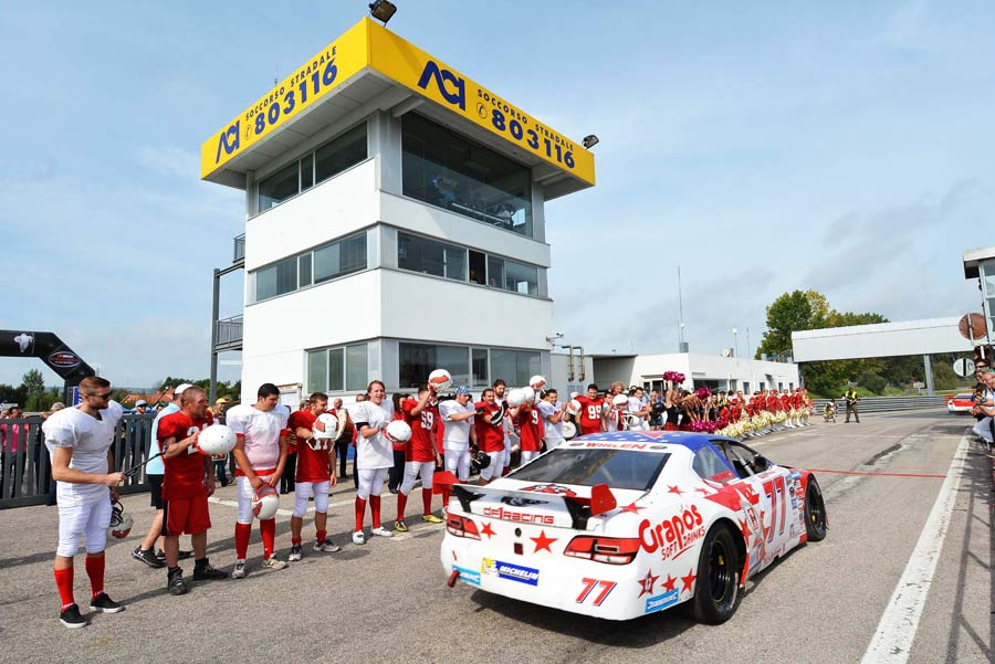 NASCAR-Magione-2014-parata
