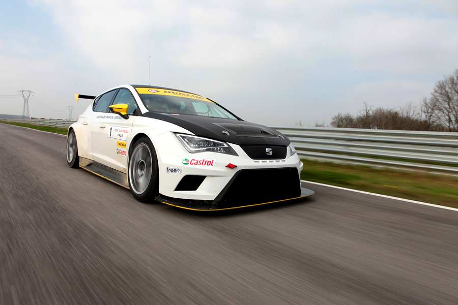 Photo of Calendario Seat Leon Cup Racer 2015
