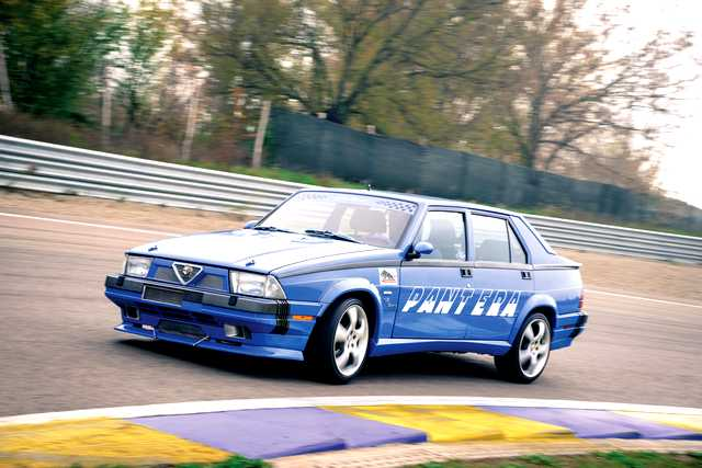 Photo of Alfa 75 Turbo America test in pista Modena
