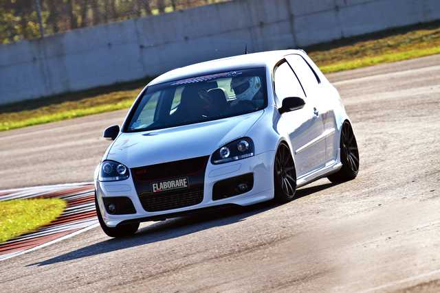 VW Golf V GTI Edition 30
