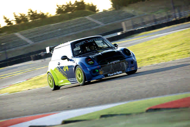 Photo of Mini Cooper JCW test in pista Franciacorta