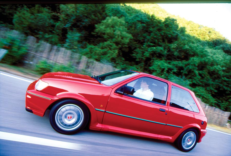 Ford Fiesta RS Turbo 1.6i by Franco Alosa