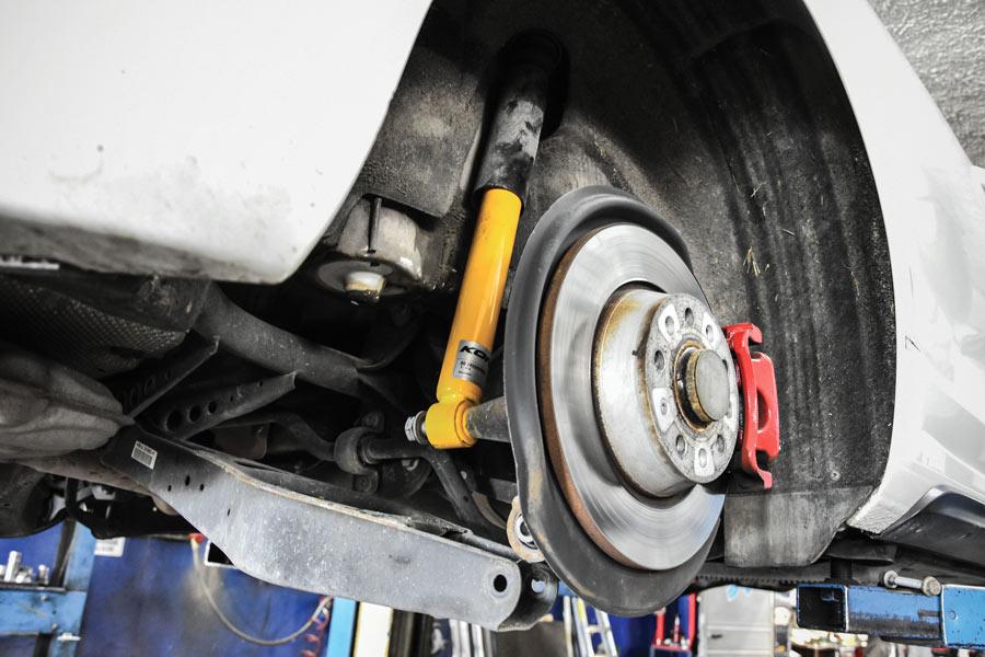 Come scegliere l'assetto migliore su Golf GTI, ecco il test con ammortizzatori Koni Sport