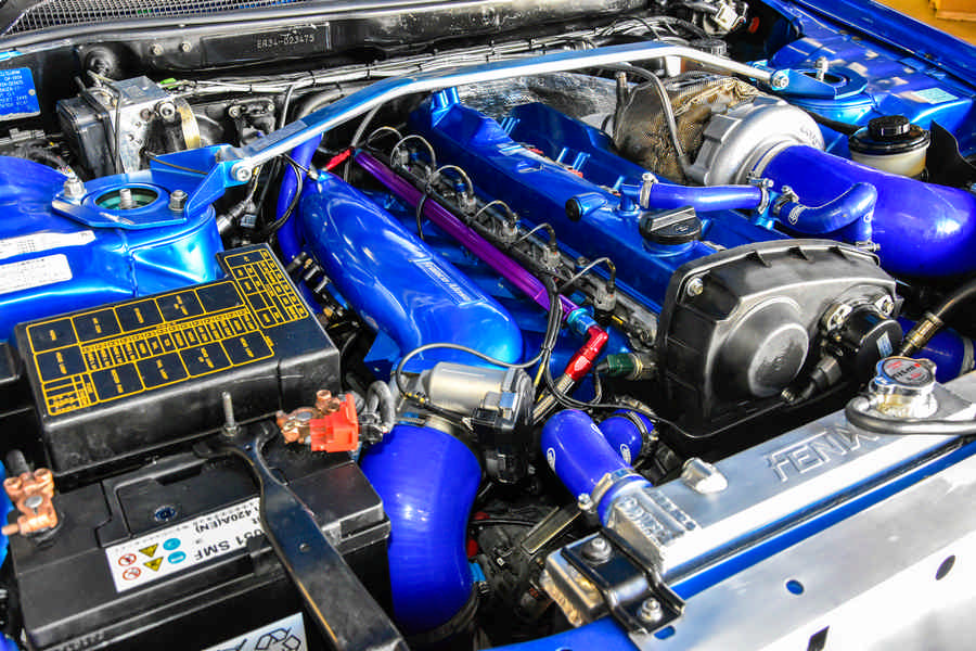 Nissan Skyline GT-S R34 preparazione by Alosa con guida a sinistra - motore
