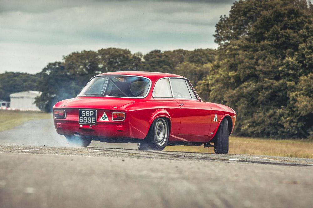 Alfaholics GTA-R 290 top car storica elaborazione inglese