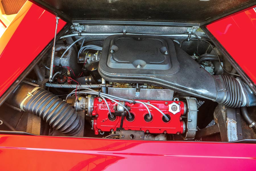 Ferrari Dino 208 GT4 auto sportiva storica elaborata - motore