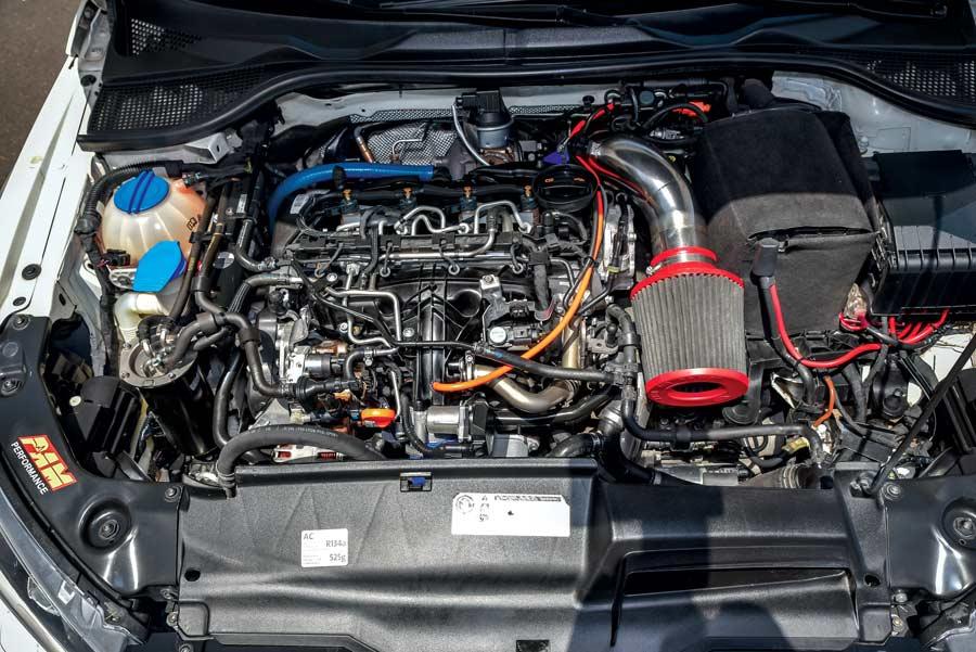 Volkswagen Scirocco 2.0 TDI elaborata 297 CV - motore