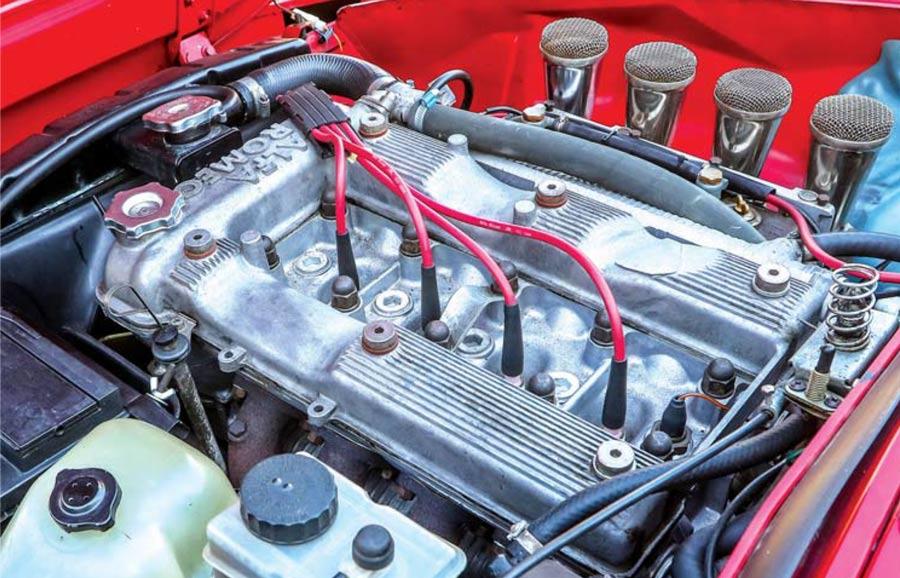 Alfa Romeo Spider Duetto motore 2000 carburatori