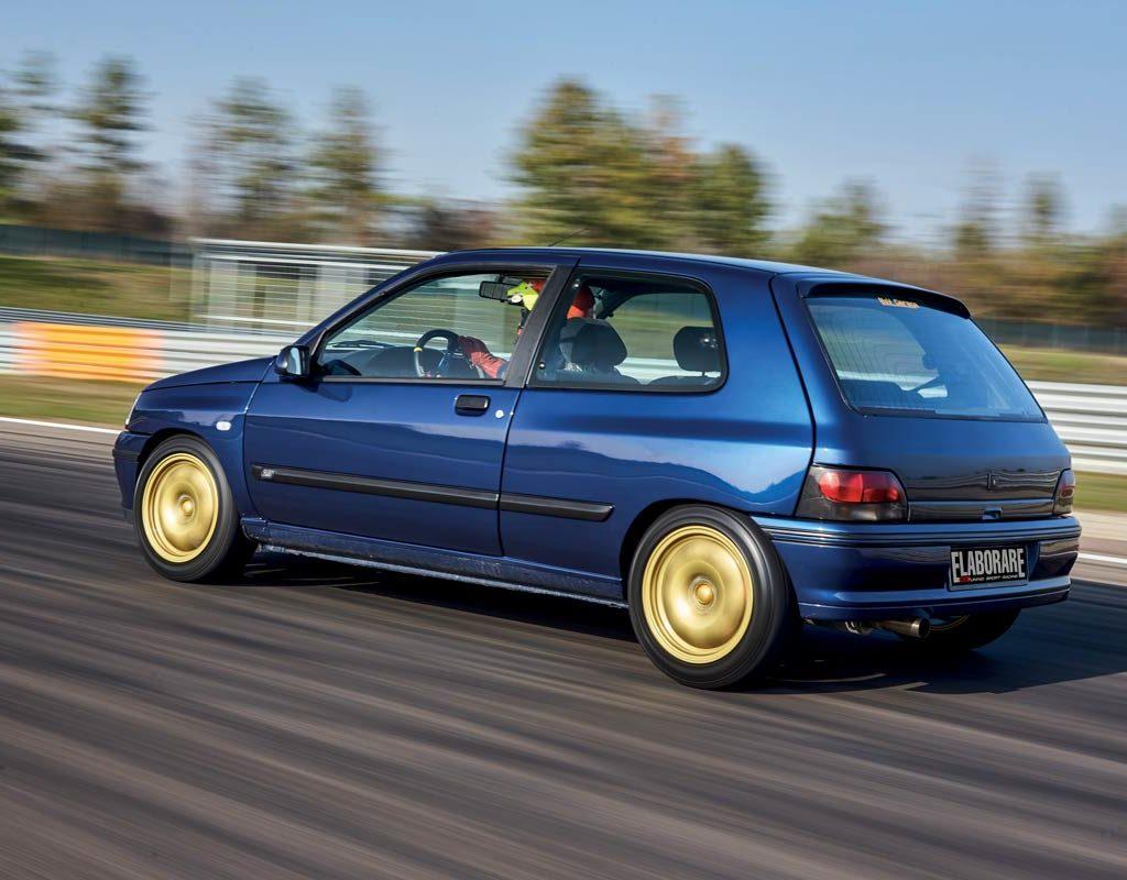 Renault Clio elaborata 261 CV - posteriore